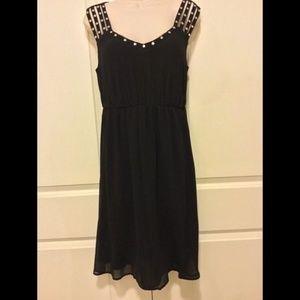 Torrid Black Chiffon Dress Size 00=M/L - 10